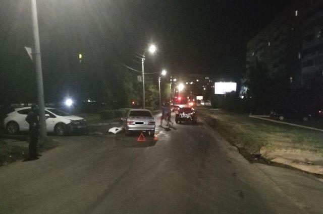 В Оренбурге в столкновении трех машин пострадала 17-летняя девушка.