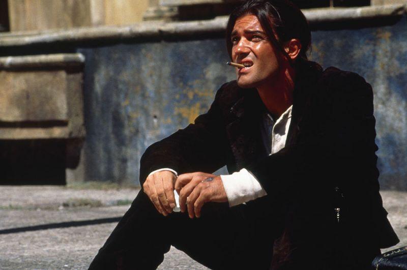 «Отчаянный» (1995) — Эль-Мариачи.