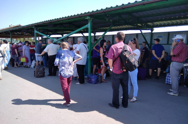 Шмыгаль рассказал, упростит ли Украина пересечение КПВВ на Донбассе