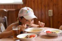 В летних лагерях Оренбуржья уже отдыхают 1 895 детей.