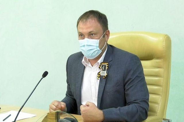 Илья Середюк провел совещание с руководителями транспортных и торговых предприятий.