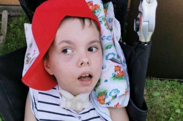 Девочка получила серьёзные травмы и полностью обездвижена.