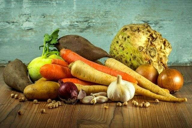 Аграрии Оренбуржья приступили к уборке овощей.