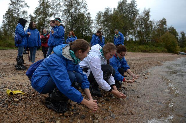 Один из проектов партии – очистка от мусора берегов рек. Эксперты считают важным, чтобы из «мозаики малых дел» сложилась большая общая картина.