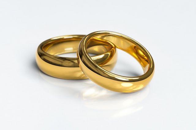 Ямальским семьям предоставляют пособия к юбилеям супружеской жизни