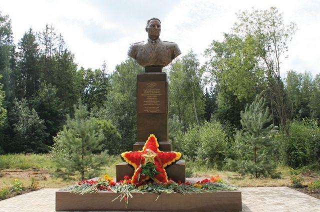 Новый памятник в Ярцеве.