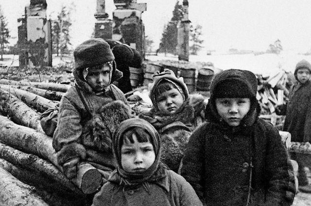 Их детство пришлось на годы войны.