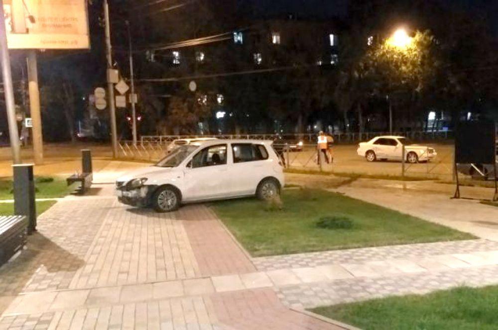 Как известно, в ДТП страдают не только водители и пассажиры транспортных средств. В результате этого ДТП с пьяным водителем автомобиля MAZDA пострадавшими стали пешеходы.