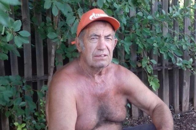 В Оренбуржье ищут пропавшего без вести 73-летнего пенсионера в оранжевой кепке.