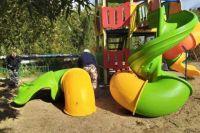 В Лабытнанги поврежденную горку с гвоздями разобрали после жалоб жителей