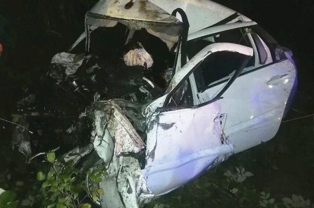 В результате ДТП  Datsun 24-летний водитель и его 32-летняя пассажирка от полученных травм скончались на месте происшествия.