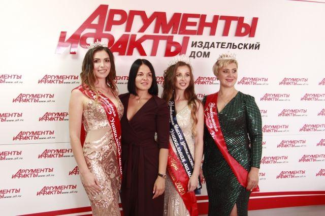 Светлана Подкорытова, Екатерина Чопей, Танзиля Царук и Василина Чанчикова.