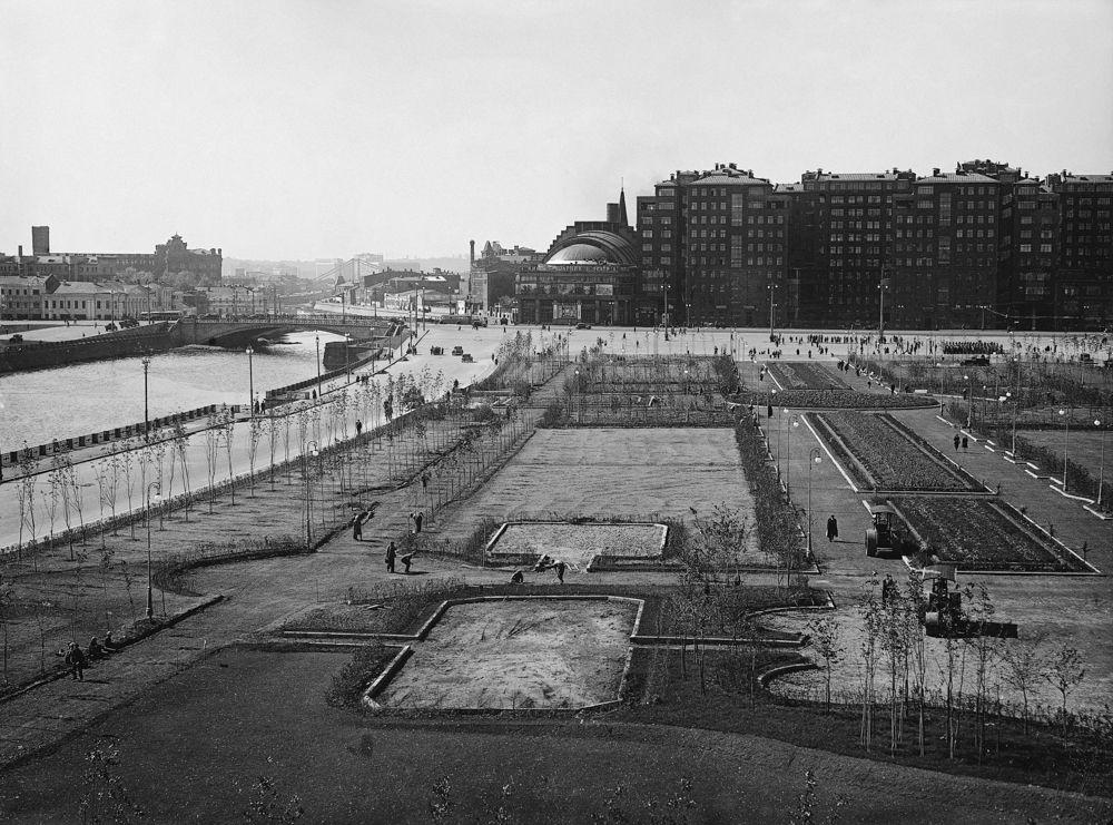 Сквер на Болотной площади. 1940-е