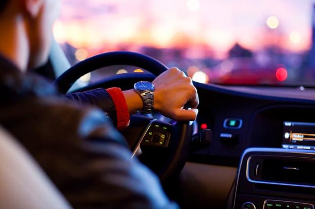 В Новом Уренгое трое подростков обвиняются в угоне автомобиля