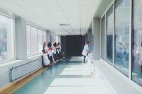Решить вопрос нехватки специалистов на Кубани удаётся за счёт программы «Земский врач» и «Земский учитель».