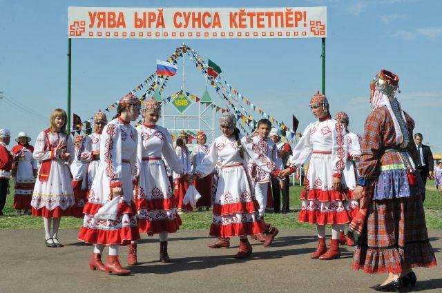 На всех национальных праздниках чуваши водят хоровод.