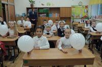 Перед началом нового учебного года красноярцы помогают детям из многодетных и малообеспеченных семей подготовиться к школе.