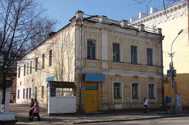 Жилой дом, построенный в XIX веке, в котором хотят разместить гостиницу.