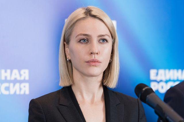 Координатор партпроекта «Новая школа», депутат Госдумы Алена Аршинова рассказала, что родители напрямую жаловались ей в соцсетях на эти «нововведения».