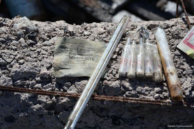 В Оренбурге на свалке нашли высокоопасные химические реагенты.