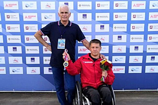 Игорь Кузнецов и его тренер Леонид Кинякин