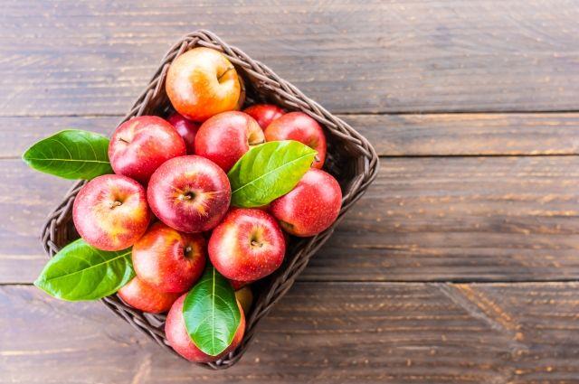 Блюда из яблок получаются сочными и ароматными.