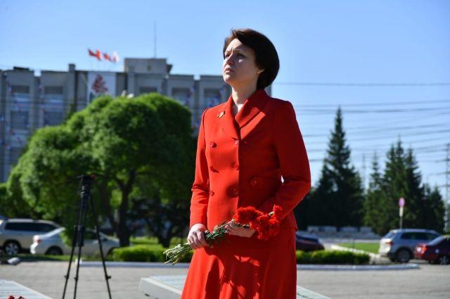 Мэр Омска Оксана Фадина в декларации за прошлый год отразила доход в 5 млн руб.
