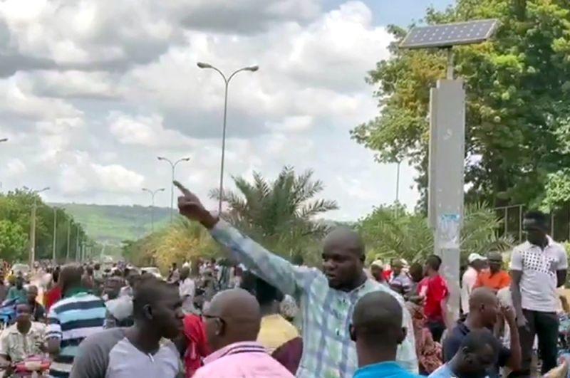 Верховный представитель ЕС по иностранным делам и политике безопасности Жозеп Боррель заявил, что Евросоюз осуждает попытку госпереворота, продолжающегося в Мали.