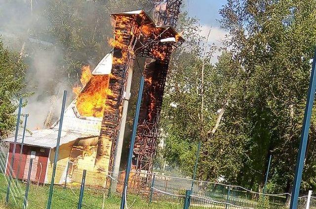Пожар в парке