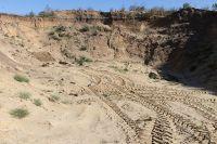 В карьерах добывали песчано-гравийную смесь и строительный камень.