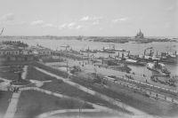 Дмитриев фотографировал Волгу от истока до устья.