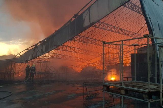 В Харьковской области произошел пожар на складе резиновых изделий