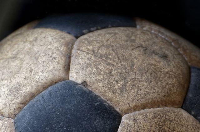 В селе Яр на территории школы оборудуют площадку для мини-футбола