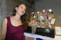Режиссёр театра «Три апельсина» Татьяна Панаиоти превратила презентацию нового кукольного образа в мистическую постановку.