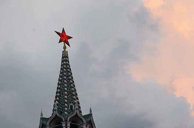 Почему у башен Кремля такие имена?