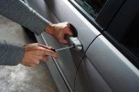 Трое юношей из Салехарда угнали автомобиль у своего должника