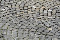 В Оренбурге поднимут уровень дороги на ул. Правды для сохранения исторической брусчатки.