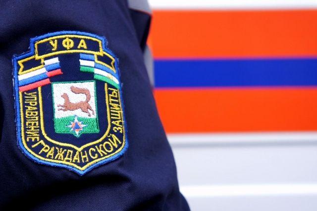 13-летний мальчик застрял между стеной дома и газовой трубой в Уфе