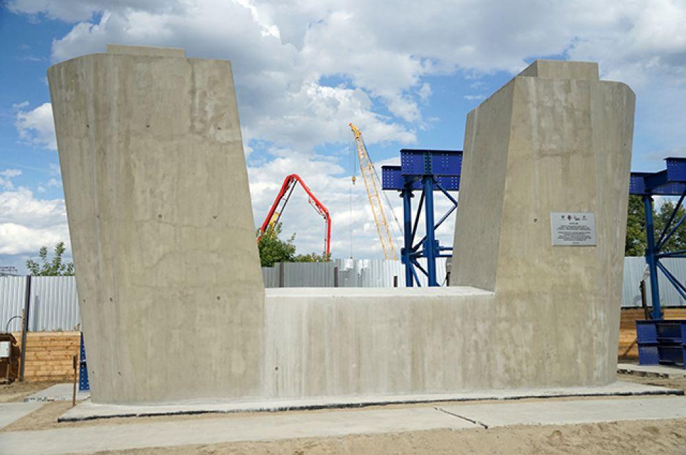 Первые сваи Центрального моста забили в мае.