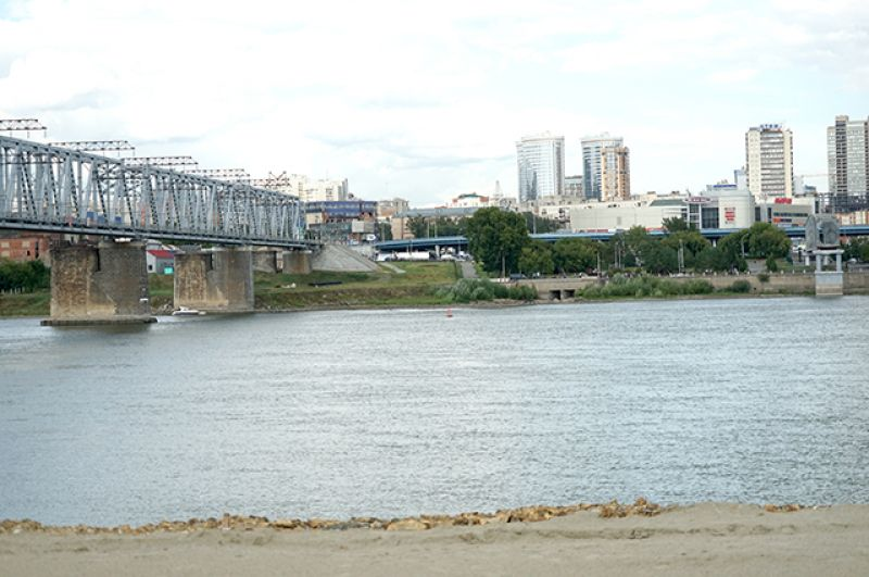 Стоимость всего мостового перехода составит 37 миллиардов рублей.