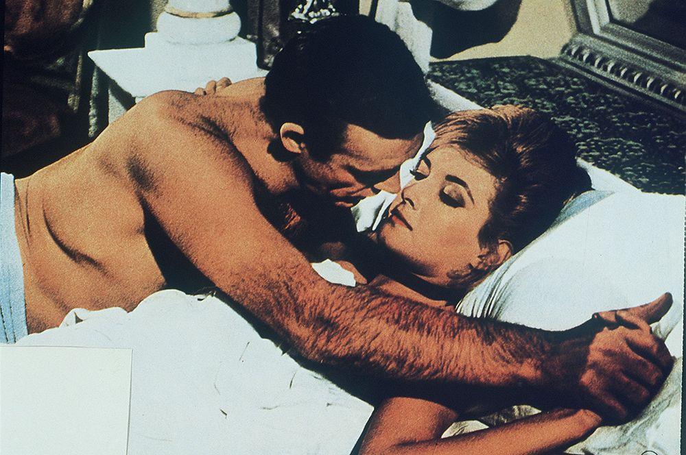 Из России с любовью» (1963) — Джеймс Бонд.