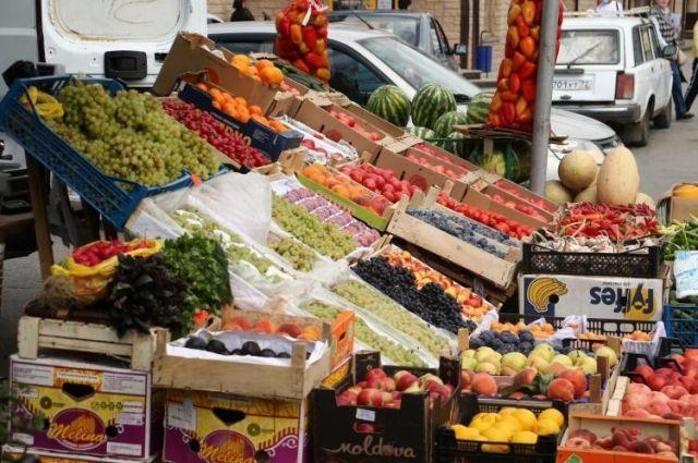 В Тюмени зафиксировано 88 незаконных точек продажи фруктов и овощей