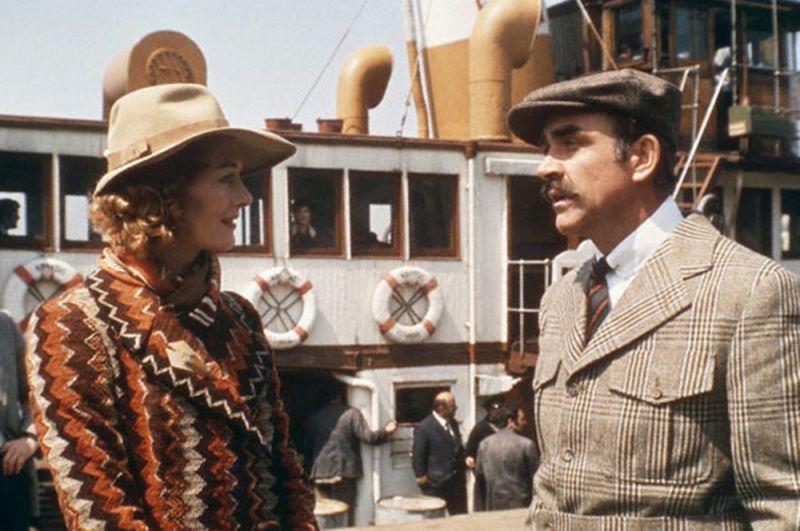 """«Убийство в """"Восточном экспрессе""""» (1974) — полковник Арбэтнот."""