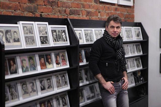 Михаил Ванеев с 2008 года участвует в турах по России с известными группами – Scorpions, Uriah Heep, Nazareth – и создает их фотоархивы в России.