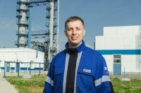 Антон Кушнаренко уверен - его будущее связано с родным предприятием.