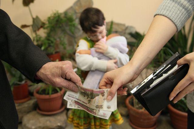 Названа сумма алиментов, которую взыскали приставы Башкирии с начала года