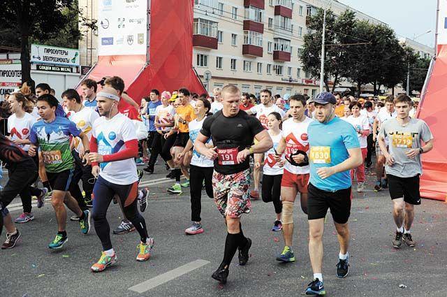 В этом году в забегах примут участие 7,8 тыс. человек.