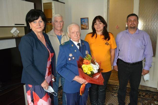 Участник боёв на Курской дуге рассказал, как выжил в тех сражениях.