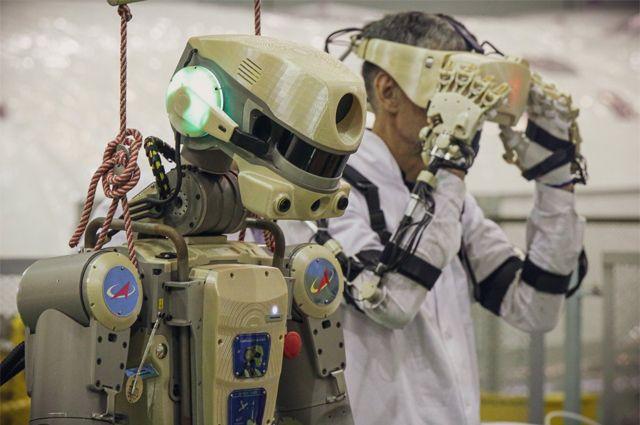 Робот Skybot F-850.