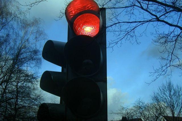 Светофор включается при необходимости.